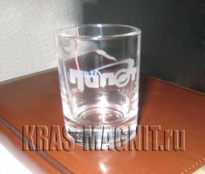 "рюмка с логотипом ""клуб Пилот"""