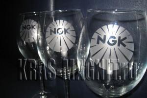 матированный бокал с логотипом NGK